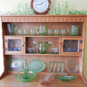 Uranium glass collection - Glassware