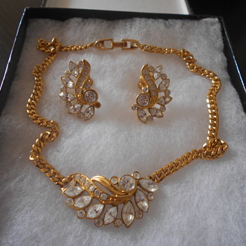 Napier goldtone necklace and earring set