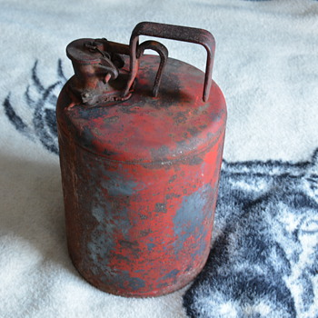 Very rare Coleman Camping Fuel Container - Sporting Goods