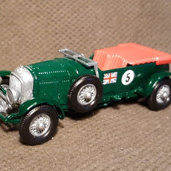 More Moldy Motorized Matchbox Monday Y-5 1929 4 1/2 Litre Bentley Circa 1967  - Model Cars