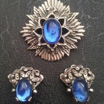 Unknown Maker's Mark - Costume Jewelry