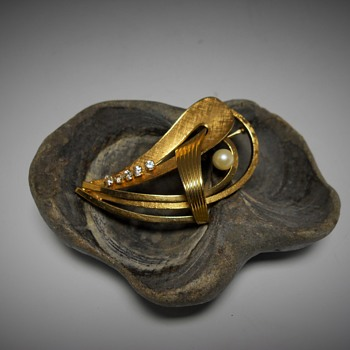Wells, 14K Gold filled Brooch, Late 20 century - Costume Jewelry