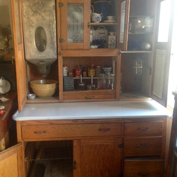 All original Hoosier style Kitchen Cabinet - is it a Sellers? No label - Furniture