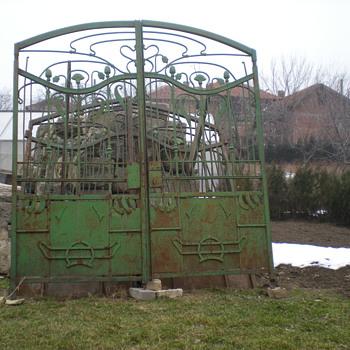 """""""One ton of Art Nouveau"""" - Art Nouveau"""