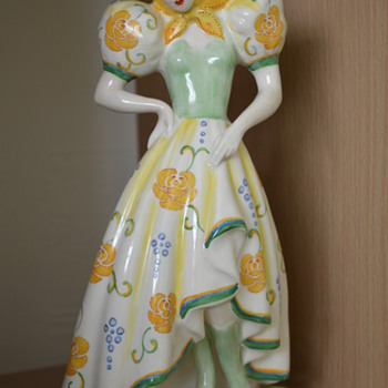 Crown Devon figurine - Tyrolean peasant girl from the 1930s
