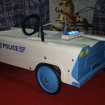 Mobo Pedal car restored in Police Livery - Toys