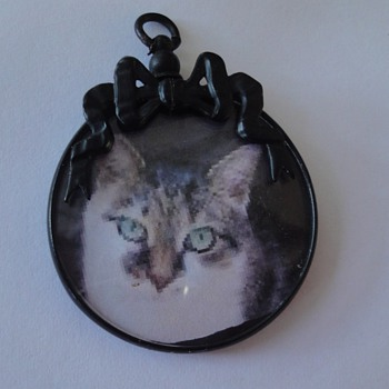 Blackened Metal Photo Pendant nineteenth century, mourning jewelry  - Fine Jewelry