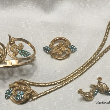 Cassini 4-Piece Parure — Necklace, Bracelet, Brooch, Earrings - Costume Jewelry