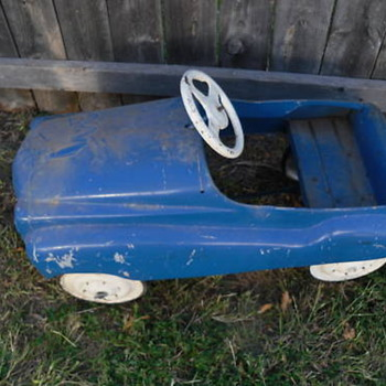 Can anyone identify this pedal car? - Model Cars