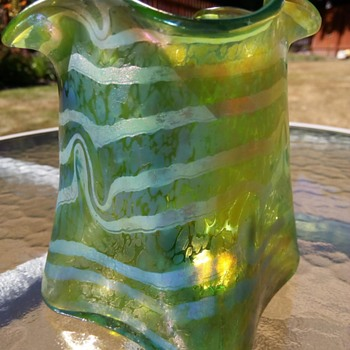 Fritz Heckert 'Changeant': Nice Shape/Colour Combination - Art Glass