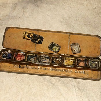 Vintage Milton Bradley Watercolor Paint Tin - Advertising