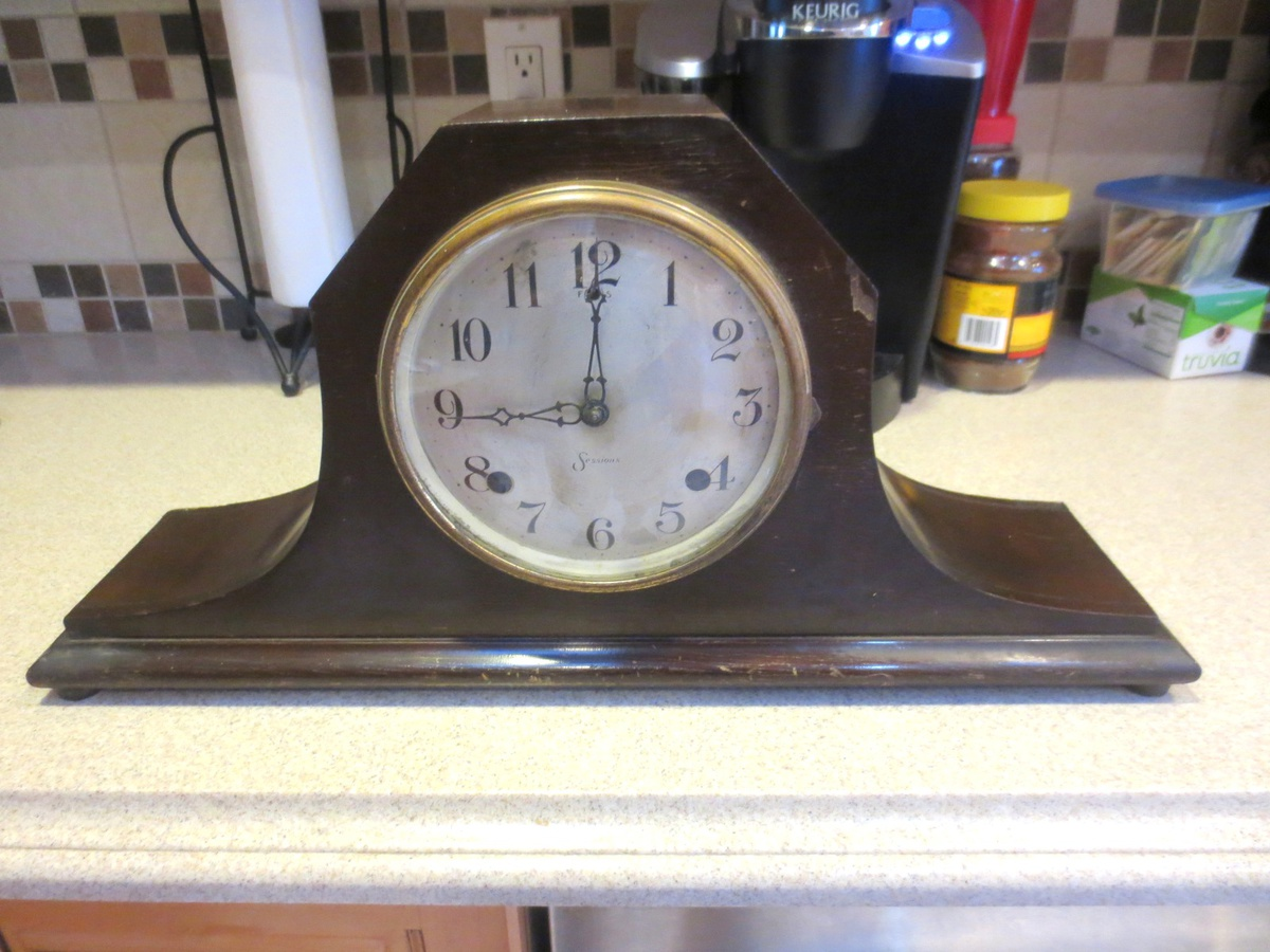 Session Mantle Clock Has