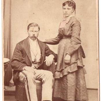 CDV of Suspected Family Members - Photographs