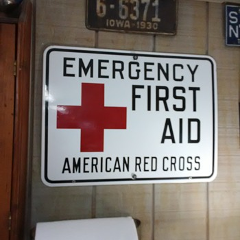 Red  Cross Signs wood & porcelain - Signs