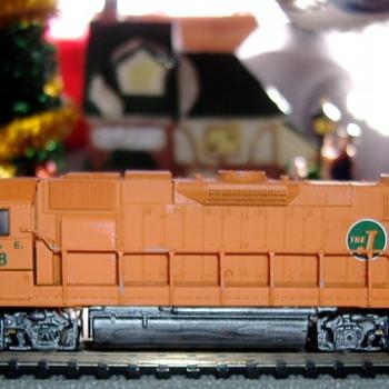 EJ&E #658 SD38-2 N scale - Model Trains