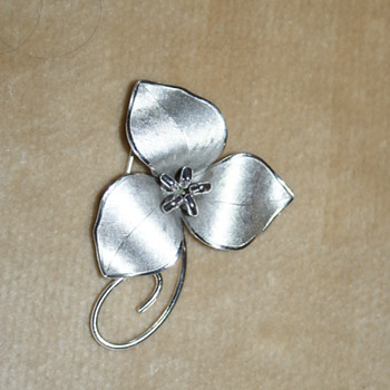 Bond Boyd Trillium Flower Sterling Pin - Fine Jewelry