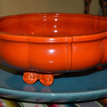 Gladding McBean Console Bowl and Pacific Pottery Platter - Pottery
