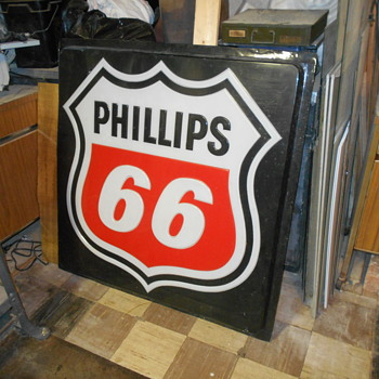 40 inch plastic Phillips 66 lighted sign - Petroliana