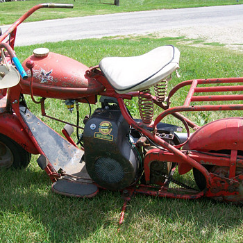 1952 Cushman Eagle - Motorcycles