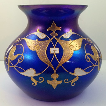 "Josephinenhütte Cobalt Blue ""Bronze-Cypern"" glass vase, enameled by Max Rade, ca. 1899 - Art Glass"
