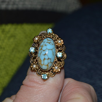 Vintage brass filigree ring - Costume Jewelry