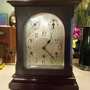 Kienzle of New York Bracket Clock, 1814-1902 - Clocks