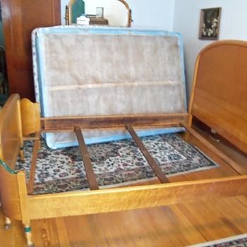 Complete bedroom set - Furniture