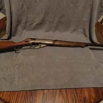 1965-700 shot Daisy Model 95 BB gun