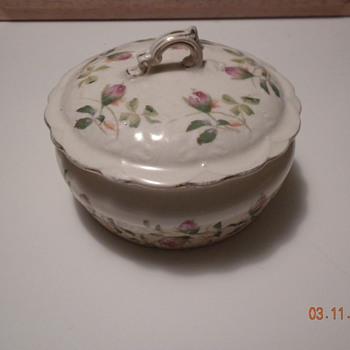 Sugar bowl,creamer - China and Dinnerware