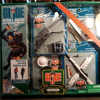 GI Joe 40th Anniversary Set 16 Small Accessory Cards 2004 - Toys