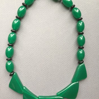 Vintage Green and Black Lucite Necklace - Costume Jewelry