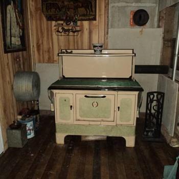 Anybody have information On a Prizer stove? - Kitchen