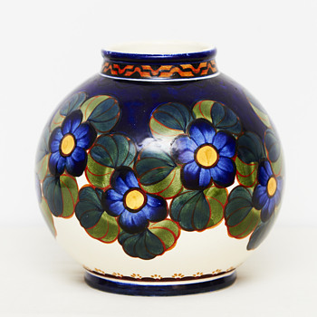 Aluminia vase (Denmark), ca. 1915 - Pottery