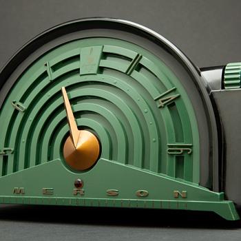 1950's Retro Emerson 744B Plaskon Radio - Radios