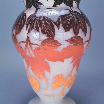 Degué Cameo Glass Vase Circa 1928 - Art Deco