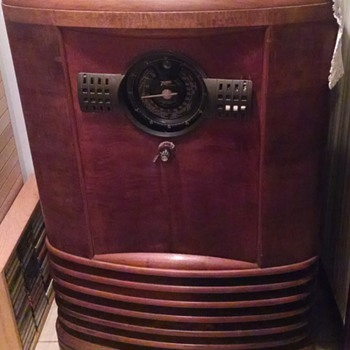 Zenith Console - Radios