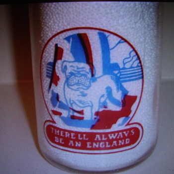 """Canadian War Slogan...""""THERE'LL ALWAYS BE AN ENGLAND""""....PINT SIZE - Bottles"""