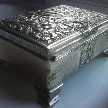 gorgeous detail box - Furniture