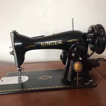 Mystery singer sewing machine.  - Sewing