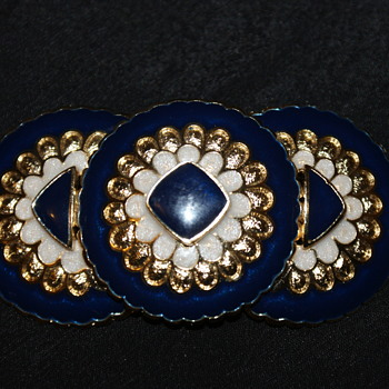 Costume Brooch Marked HR Paris - Costume Jewelry
