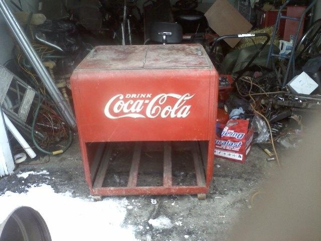 Coca Cola cooler chest circa 1930's | Collectors Weekly