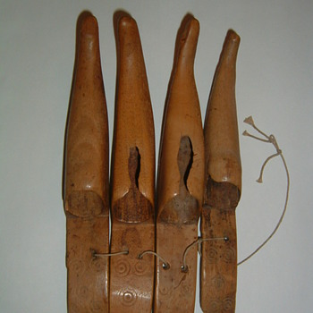 Native American? carved bear claws for costume? - Native American
