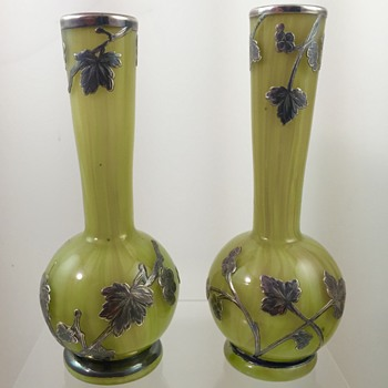 Loetz Green Onyx vases with silver overlay, PN unknown, ca. 1893 - Art Glass