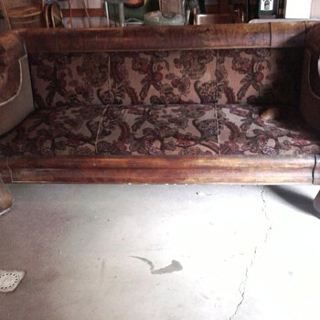 VICTORIAN  7 FOOT COUCH - Furniture