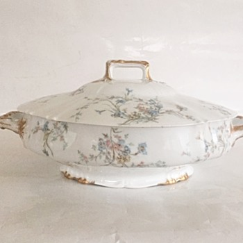 Haviland Limoges France Covered Vegetable Dish - China and Dinnerware
