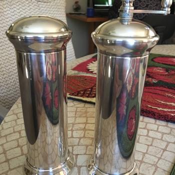 Salt shaker with pepper mill silver landes
