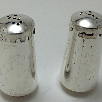 SALT & PEPPER SHAKERS - La Amatista - Taxco, Mexico - Silver