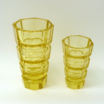 Two yellow Josef Hoffmann vases - Art Glass