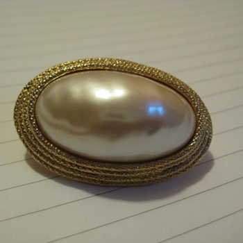 Never seen this before Pearl Brooch/ Pin ? - Costume Jewelry