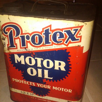 Protex 2 gallon motor oil can - Petroliana